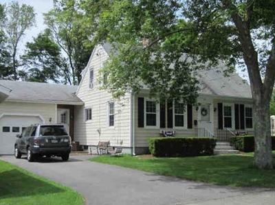 Swansea Single Family Home For Sale: 20 Church St.