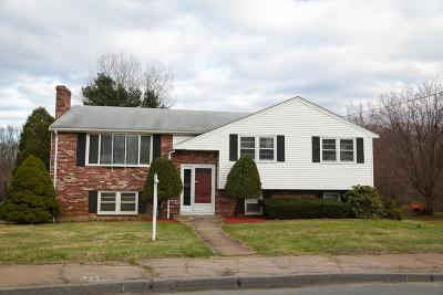 Braintree Single Family Home For Sale: 25 John Paul Cir