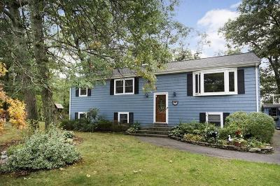 Hingham, Hull, Scituate, Norwell, Hanover, Marshfield, Pembroke, Duxbury, Kingston, Plympton Single Family Home For Sale: 105 Hall Drive