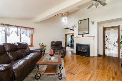 Hingham Single Family Home For Sale: 10 Whiton Ave