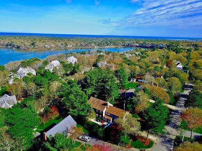 Mashpee Single Family Home For Sale: 66 Yardarm Dr