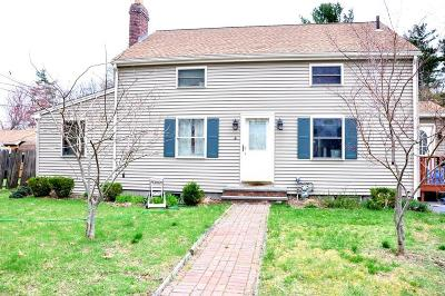 Weymouth Single Family Home For Sale: 4 Argyle Ct