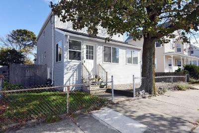 Hull Single Family Home For Sale: 828 Nantasket Ave