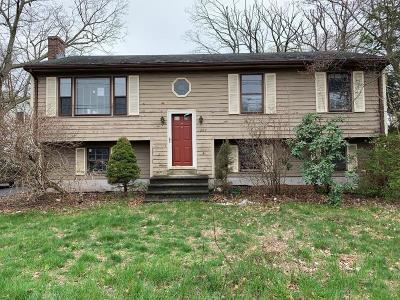 Attleboro Single Family Home For Sale: 284 Thacher St