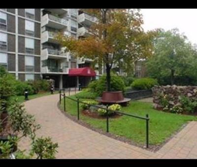 Brookline Condo/Townhouse For Sale: 60 Babcock St #28