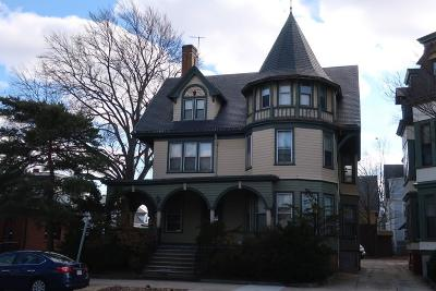 RI-Providence County Multi Family Home For Sale: 372 Broadway
