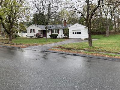 Lynnfield Single Family Home For Sale: 7 Saunders Rd