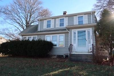 Natick Single Family Home Under Agreement: 562 Worcester St