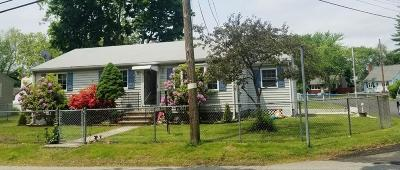 Lowell Single Family Home For Sale: 31 Dingwell Street