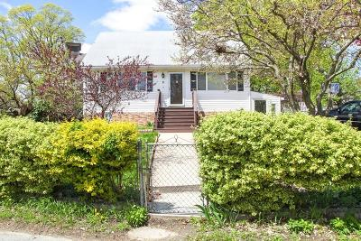 Lowell Single Family Home For Sale: 6 Pine Hill St