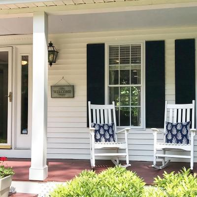 Franklin Single Family Home For Sale: 2 Winterberry Dr