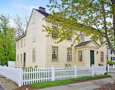 Concord Single Family Home For Sale: 69 Walden Street