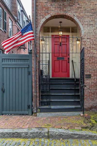 Single Family Home For Sale: 1 Bay St