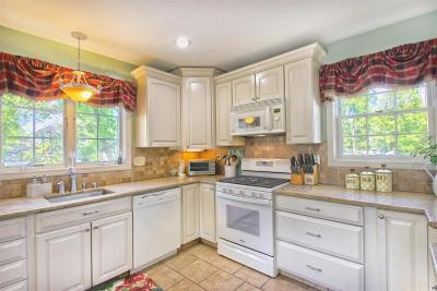 Andover Single Family Home For Sale: 38a Maple Avenue #1