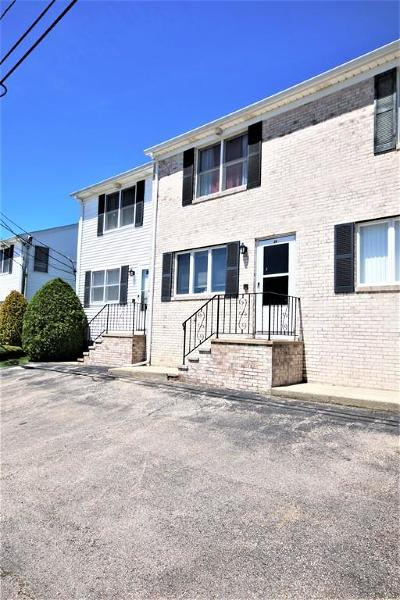 North Providence Condo/Townhouse Under Agreement: 28 Iris Lane #28