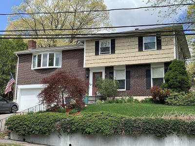 Dedham Single Family Home For Sale: 33 Fay Rd