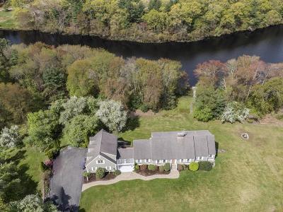 Raynham Single Family Home For Sale: 440 North Main Street