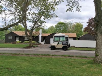 Lynnfield Single Family Home For Sale: 11 Pine St