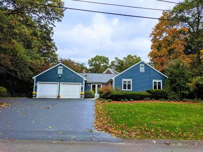 North Attleboro Single Family Home For Sale: 15 Old Wood Rd