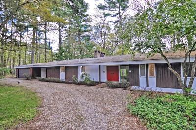 Attleboro Single Family Home For Sale: 61 Thayer Farm Rd