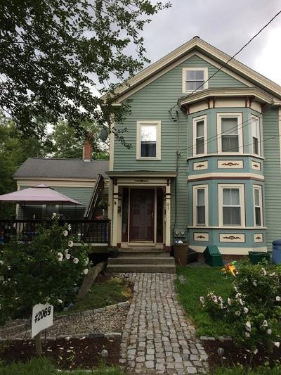 Holliston Single Family Home For Sale: 21 Winthrop St