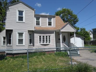 Brockton Single Family Home For Sale: 18 Wellington Pl