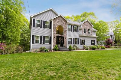 Lincoln RI Single Family Home New: $579,900