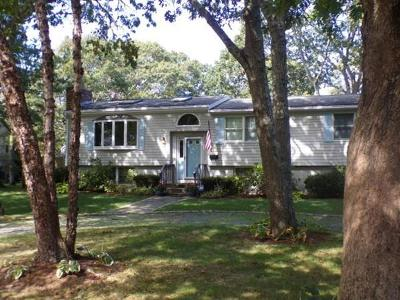 Yarmouth Single Family Home For Sale: 8 Crescent Ct