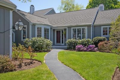 Hingham Single Family Home For Sale: 20 Floret Circle #20