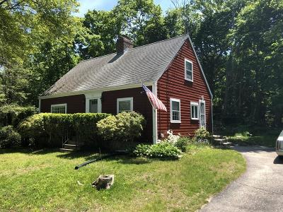 Hingham Single Family Home For Sale: 87 Chief Justice Cushing Hwy