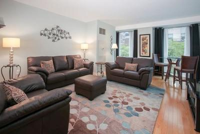 Condo/Townhouse For Sale: 80 Broad Street #408