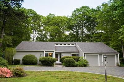 Mashpee Single Family Home For Sale: 36 Redwood