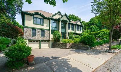 Newton Single Family Home For Sale: 267 Mount Vernon Street