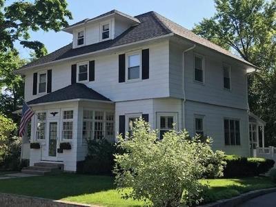 Arlington MA Single Family Home Price Changed: $949,900