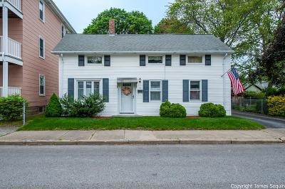 RI-Providence County Single Family Home For Sale: 71 Riley Street