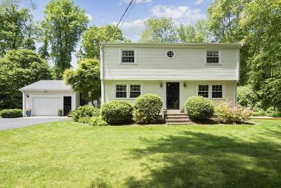 Norwell Single Family Home For Sale: 25 Old Oaken Bucket Rd