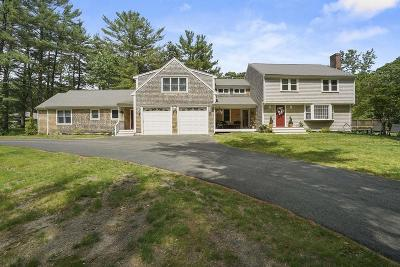 Duxbury Single Family Home For Sale: 105 Pinewood Ln