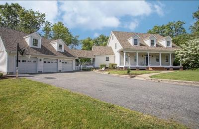 Seekonk Single Family Home For Sale: 59 Anna Court