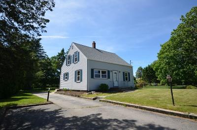 RI-Newport County Single Family Home For Sale: 593 Middle Road
