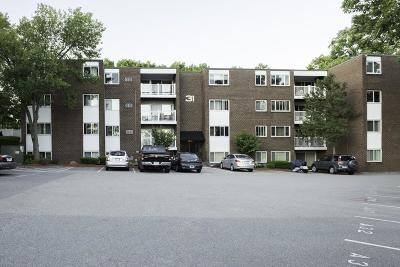 Stoughton Condo/Townhouse For Sale: 31 Jones Ter #5