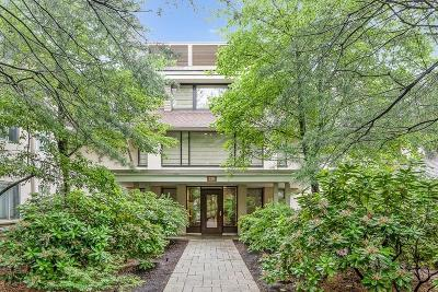 Condo/Townhouse Under Agreement: 228 Allandale Rd #3A