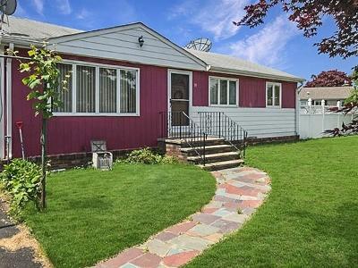 Seekonk Single Family Home New: 70 Miller St