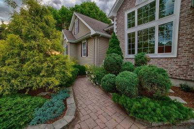 Somerset MA Single Family Home For Sale: $628,500