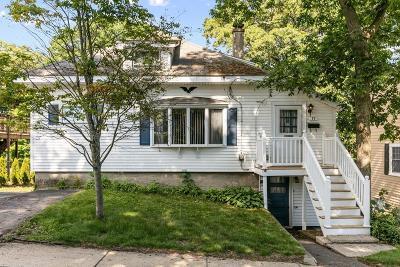 Stoneham Single Family Home For Sale: 17 Butler Ave