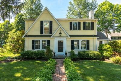 Wellesley Single Family Home For Sale: 82 Beechwood Rd