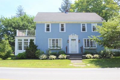 RI-Newport County Single Family Home For Sale: 3052 Main Rd