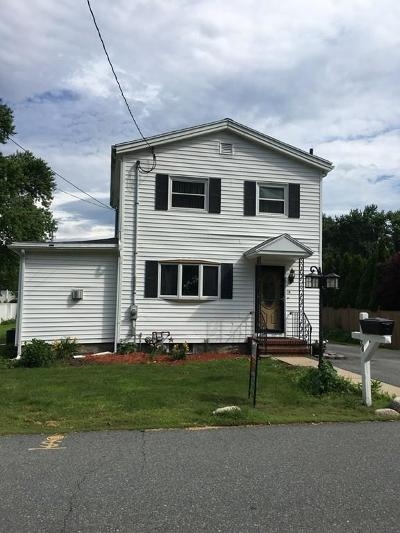 Saugus Single Family Home For Sale: 78 Walden Pond Ave