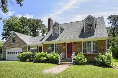 Falmouth Single Family Home For Sale: 43 Woodland Rd