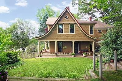 Newton Single Family Home For Sale: 480 Walnut St