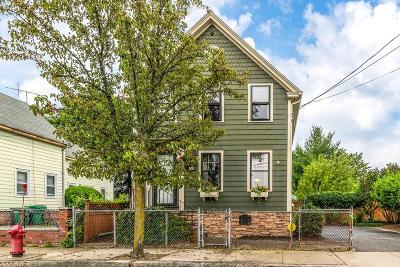Medford Single Family Home For Sale: 28 Myrtle St
